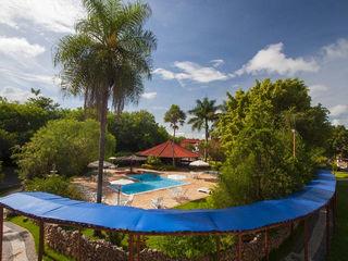 lugar lindo com piscina em bonito